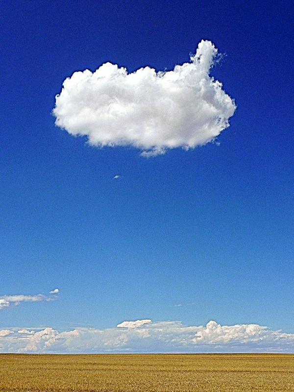 Bluiding Storm Cloud